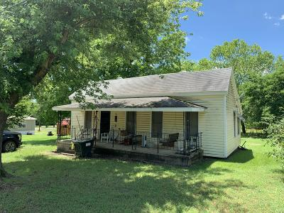 Johnson County Single Family Home For Sale: 207 N 6th Street