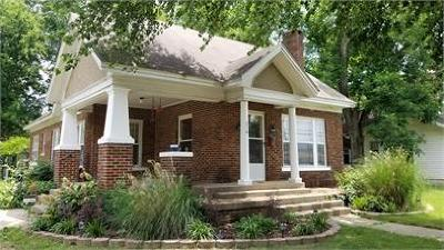 Clarksville Single Family Home For Sale: 216 N College Avenue