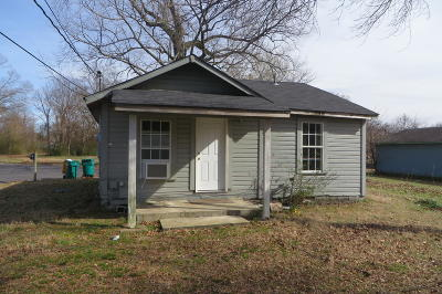 Russellville AR Single Family Home For Sale: $39,900