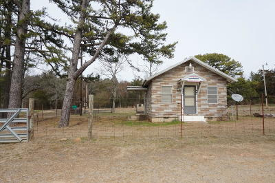 Logan County Single Family Home For Sale: 19950 Hwy 22