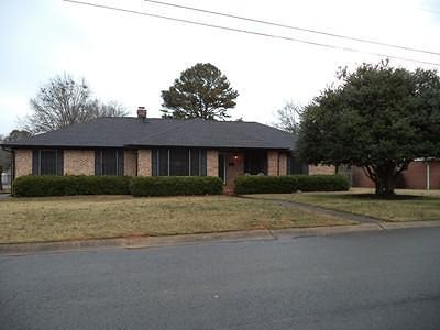 Clarksville Single Family Home For Sale: 112 S Circle Drive