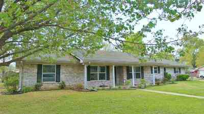 Hooks Single Family Home For Sale: 107 Custer