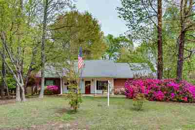 Single Family Home For Sale: 4804 Dove Hollow