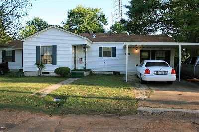 Single Family Home For Sale: 108 Banger Street