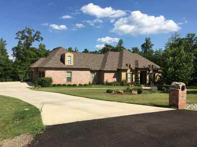 Bowie County Single Family Home For Sale: 145 Redbridge Rd