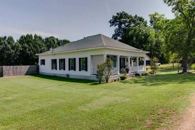 Maud Single Family Home For Sale: 310 S Red River Rd. #310 Red