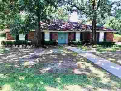 Texarkana Single Family Home For Sale: 1 Wade Trail