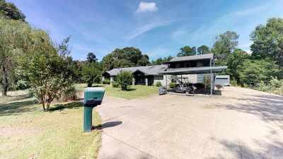 Texarkana TX Single Family Home Active W/Option: $289,000