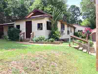 Single Family Home For Sale: 210 S Boggie