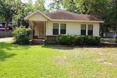 Single Family Home For Sale: 713 W Main St