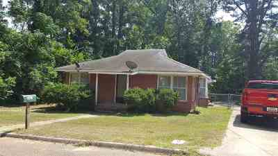 Single Family Home For Sale: 701 Florence