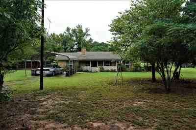 Maud TX Single Family Home For Sale: $78,500