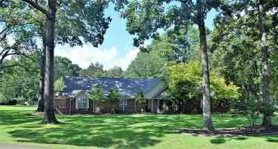 Texarkana Single Family Home For Sale: 10 Hickory Ridge