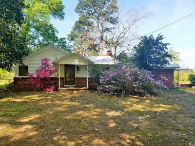 Dekalb TX Single Family Home For Sale: $85,000