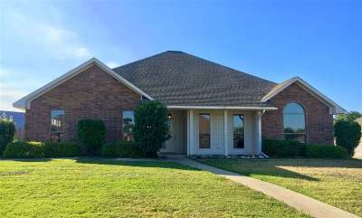 Texarkana Single Family Home For Sale: 351 Meadowridge Circle