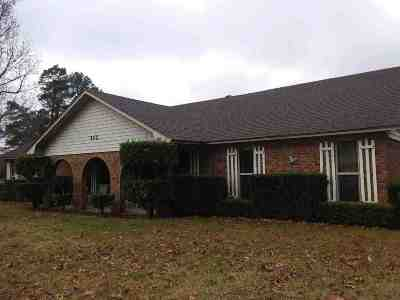Single Family Home For Sale: 502 Arrington Rd