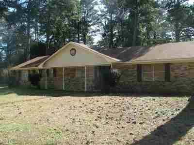 Texarkana Single Family Home For Sale: 100 Medina Dr