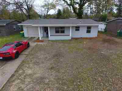 Texarkana Single Family Home For Sale: 220 Terrace