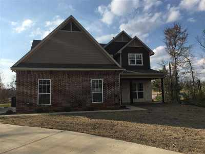 Single Family Home For Sale: 3 Kelli Court