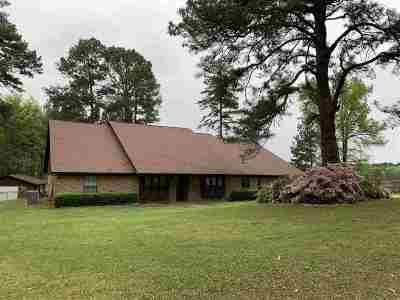 Atlanta Single Family Home For Sale: 107 Ridgewood Circle