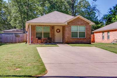 Texarkana Single Family Home For Sale: 2215 Shady Lane