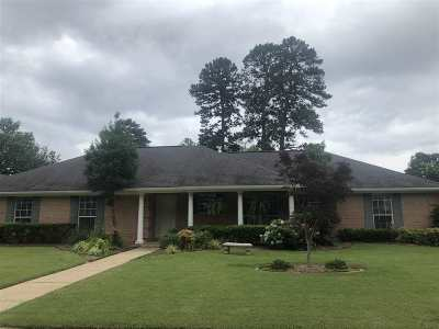 Texarkana Single Family Home For Sale: 3513 Clear Creek Circle