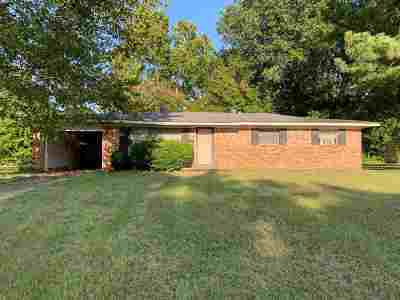 Bowie County Single Family Home For Sale: 420 Napp St