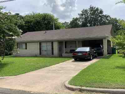 Single Family Home For Sale: 1608 Iowa St.