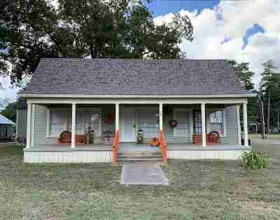 Bowie County Single Family Home For Sale: 202 S Runnels