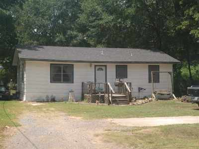 Hooks TX Single Family Home For Sale: $52,000