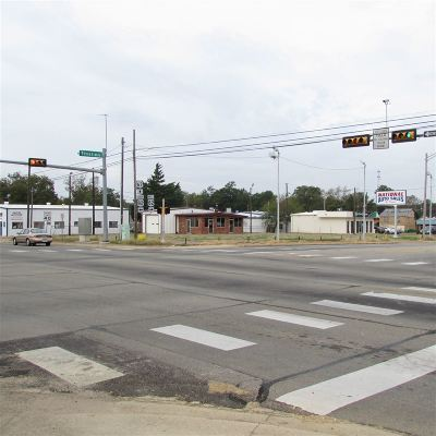 Miller County, Bowie County Commercial For Sale: 803 Texas Blvd