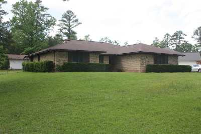 Dekalb, Hooks, Leary, Liberty Eylau, Maud, Nash, New Boston, Pleasant Grove, Redwater, Simms, Texarkana, Wake Village, Atlanta, Bivins, Bloomburg, Douglassville, Hughes Springs, Linden, Marietta, Mcleod, Queen City, Karnack, Marshall, Avinger, Jefferson Single Family Home For Sale: 307 Woodland Lake Dr.