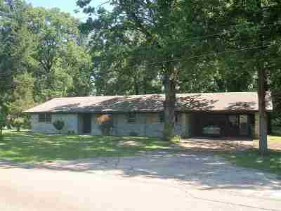 Hooks TX Single Family Home For Sale: $87,500