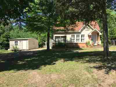 Linden Single Family Home For Sale: 202 Centerhill Rd