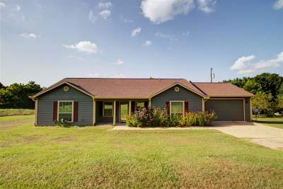 Clarksville Farm For Sale: 5065 County Road 3115 N
