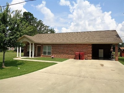 Maud TX Single Family Home For Sale: $159,000