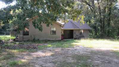 Maud Single Family Home For Sale: 609 Red Oak Rd