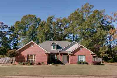 Miller county Single Family Home Back On Market: 6705 Country Hills Dr.