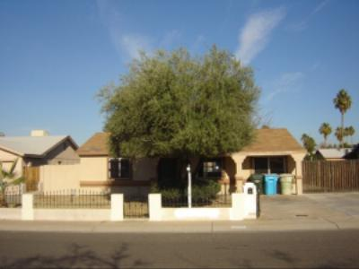 Single Family Home Sold: 6908 W Cypress Street