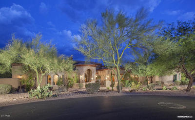 Superstition Mountain Single Family Home For Sale: 6941 E Flat Iron Court