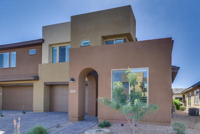 San Tan Valley Condo/Townhouse For Sale: 835 E Silversword Lane