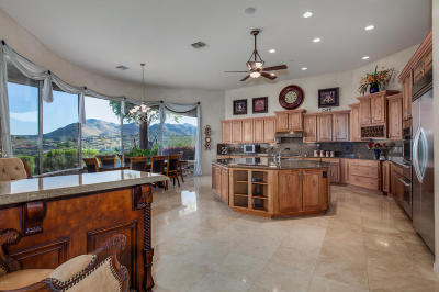 Fountain Hills Single Family Home For Sale: 15615 E Robin Drive