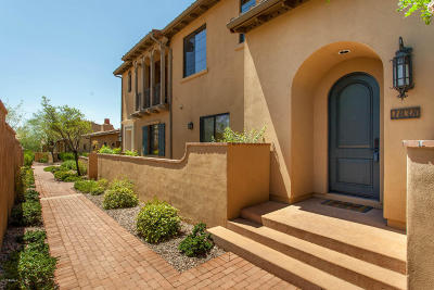 Scottsdale Condo/Townhouse For Sale: 18650 N Thompson Peak Parkway #1038