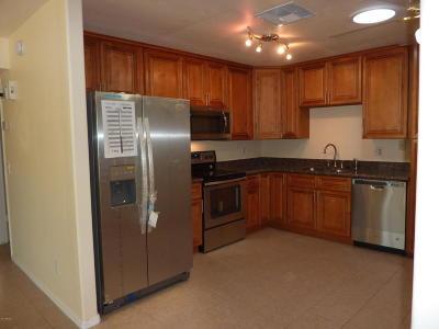 Phoenix Single Family Home For Sale: 2525 E Michigan Avenue