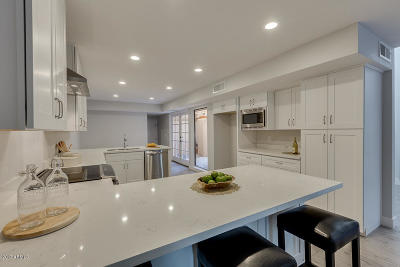Phoenix Single Family Home For Sale: 2626 E Arizona Biltmore Circle #14