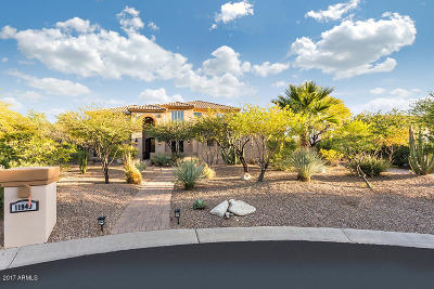 Ahwatukee, Chandler, Gilbert, Maricopa, Mesa, Phoenix, Scottsdale, Surprise, Tempe Single Family Home For Sale: 11949 E Gold Dust Avenue