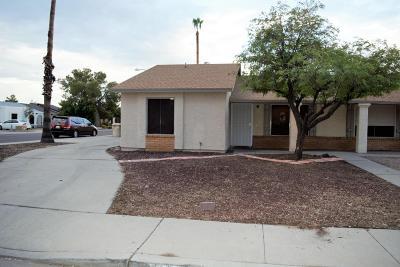 Glendale Condo/Townhouse For Sale: 5107 W Eugie Avenue