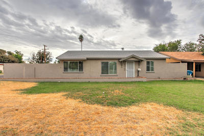 Phoenix Single Family Home For Sale: 3045 E Oak Street E