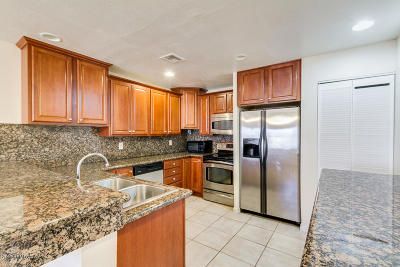 Phoenix Rental For Rent: 12440 N 20th Street #120