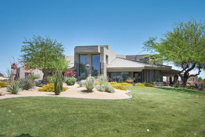 Paradise Valley Single Family Home For Sale: 9501 N 56th Street
